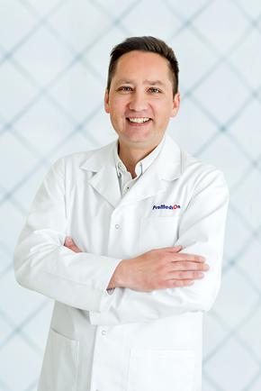Lek. Marek Sanocki - specjalista medycyny estetycznej